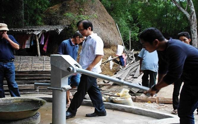 CAMBODIA – SPONSORING WATER PUMP